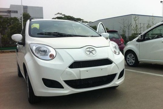 江淮悦悦Cross成都车展上市 首推两款车型
