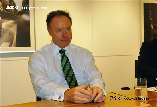 宝马集团负责BMW品牌销售和市场营销及宝马集团销售渠道的董事伊恩·罗伯森博士