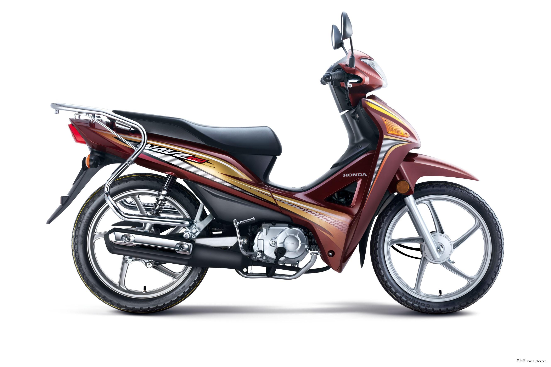 """2012年10月11日,中国最大的摩托车专业展会——第十一届中国国际摩托车博览会在重庆国际会议展览中心盛大开幕。Honda以""""Ride on Forever(无尽飞驰)""""为参展口号,携五羊-本田和新大洲本田以35款运动环保车型组成超强阵容重闪耀登场,向消费者传递环保与乐趣并存的骑行理念,展示Honda独特的摩托车文化。在发布会上,本田技研工业(中国)投资有限公司摩托车中心所长中山晋一从扩充魅力商品推出面向中国消费者新车,全面升级PGM-FI电喷技术,加速大排"""