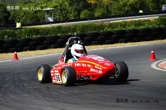 险胜德国队 湖南大学易车车队获加速冠军