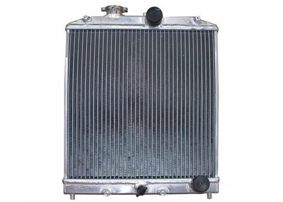 汽车水箱又称散热器,是汽车冷却系统中主要机件;其功