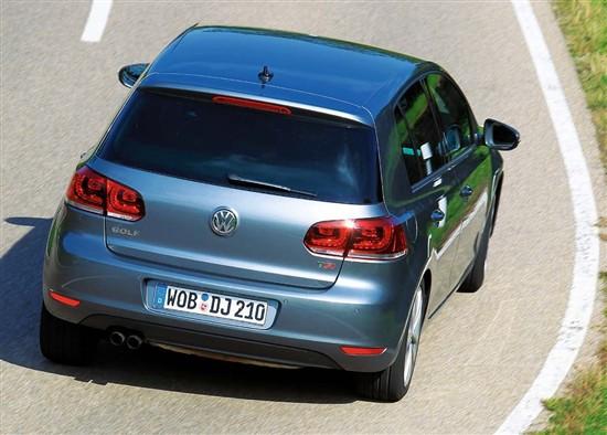 瑜亮之争 对比大众汽车高尔夫与BMW118i