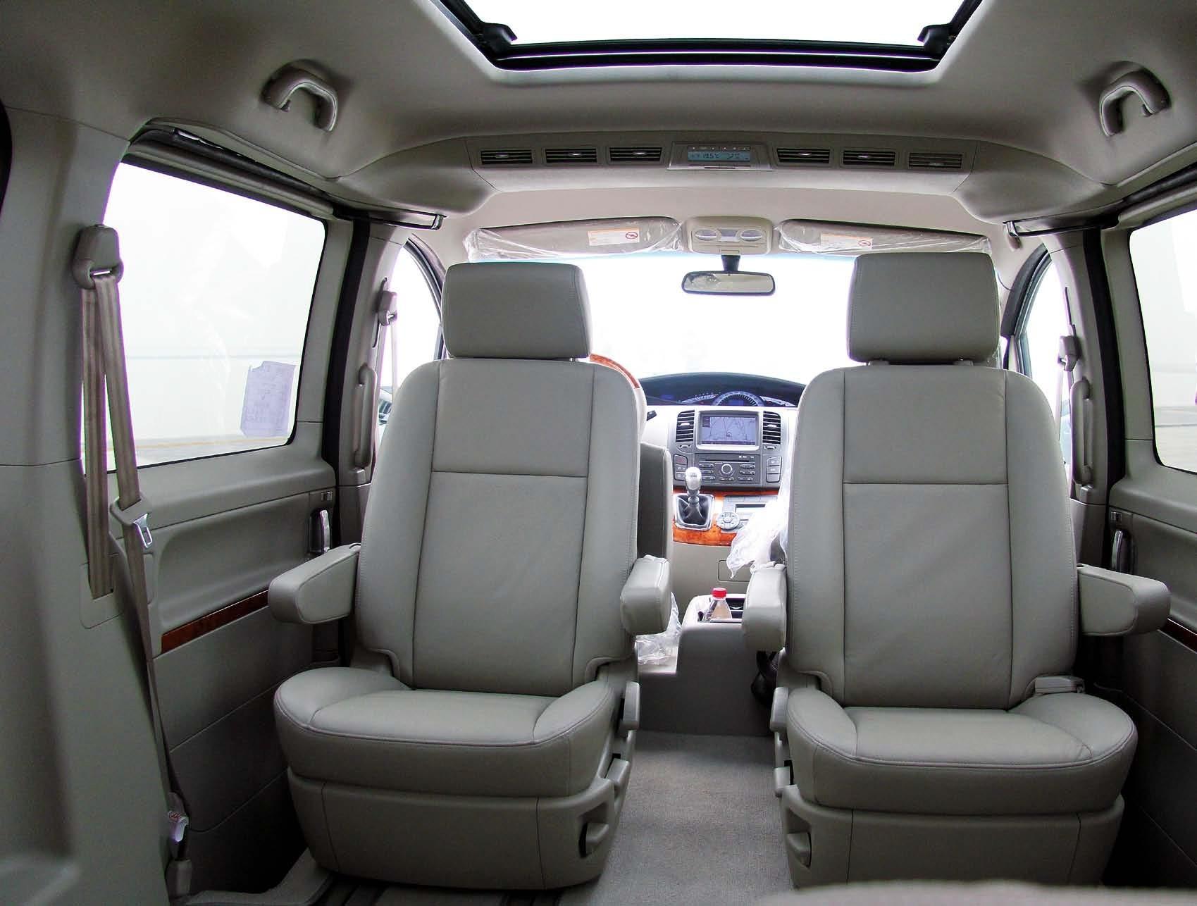 白底汽车座椅图-和风顺畅 试驾MPV商务车江淮瑞风II和畅 新闻中心 易