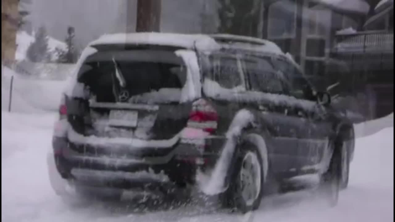 家门口扫雪!奔驰GL450家门口撒欢