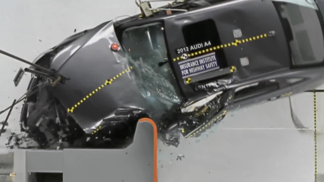 2012款奥迪A4 IIHS 25%正面重叠碰撞