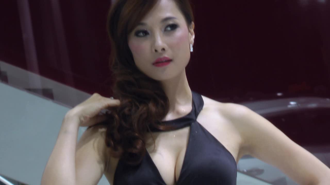 2013上海车展 菲亚特菲跃车模娇艳如花
