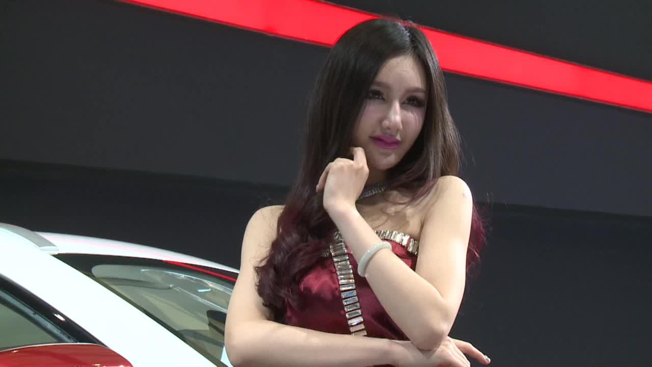 2013上海车展 哈弗H7性感女神妩媚弄姿