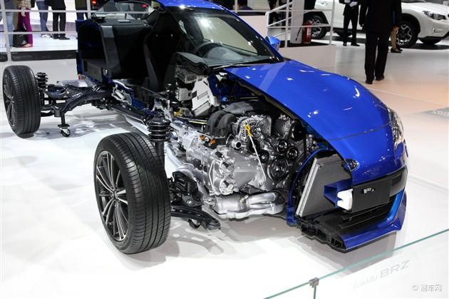水平对置发动机凭借其重心低以及对向气缸自我平衡