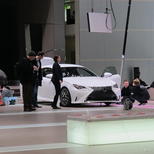 2014日内瓦车展探馆:  雷克萨斯RC300