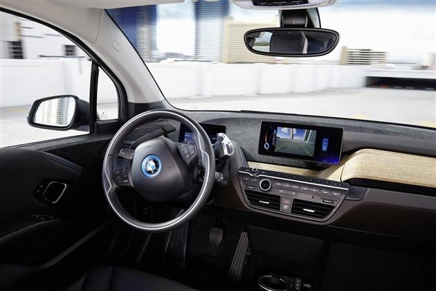 宝马展示前沿技术 i3将配备自动停车功能