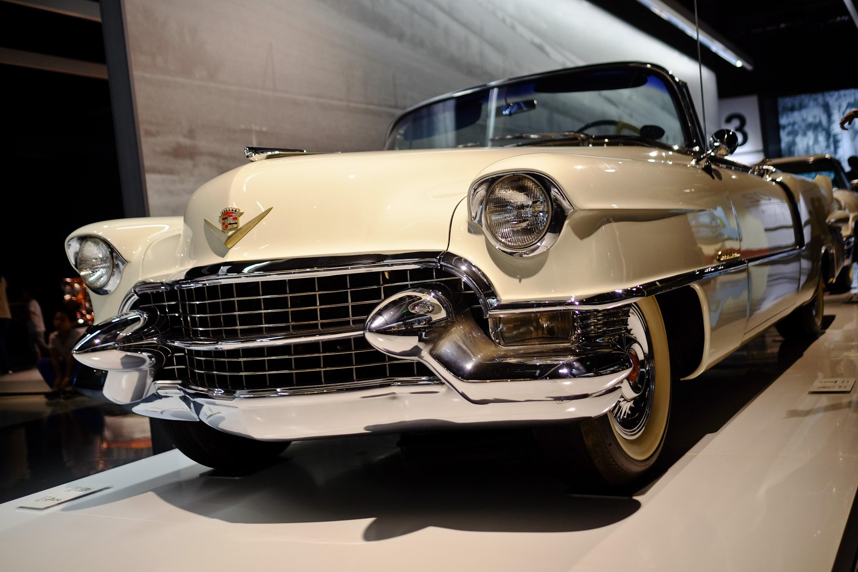 车迷进 开凯迪拉克XT5游上海汽车博物馆