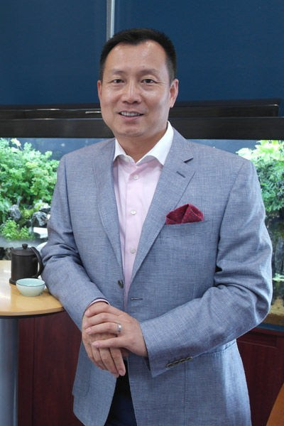 奔驰李宏鹏获2016中国汽车年度管理人物奖