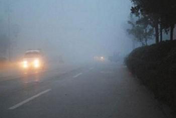 重度雾霾天开车 你必须掌握的五个技巧