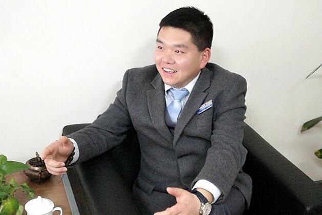 张强: 热烈祝贺建国汽车成立20周年