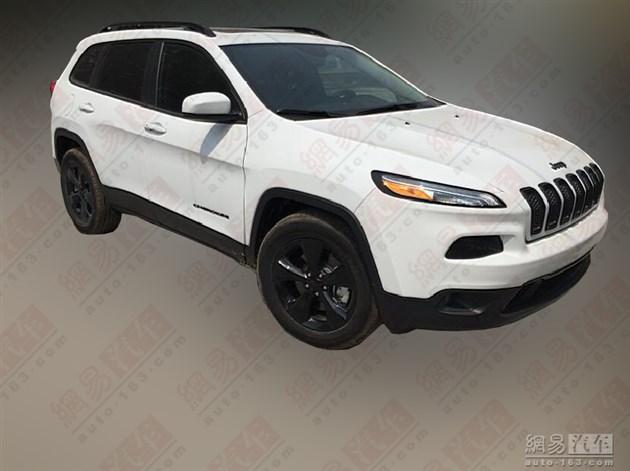 Jeep自由光运动版谍照曝光 年内上市