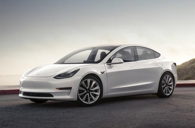 Model 3首批车辆在美交付 最便宜特斯拉2018年入华