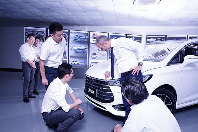比亚迪沙龙深圳开启 听外国专家讲宋MAX背后的故事