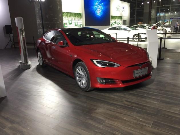 2017广州车展:特斯拉Model S/Model X新国标充电口车型亮相
