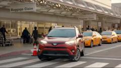 2017款丰田RAV4 配备停车辅助系统