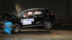 C-NCAP碰撞测试 宝沃BX5荣获5星