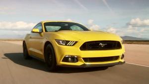2015款福特Mustang GT 原地烧胎起步