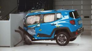 2015款Jeep自由侠 IIHS正面25%碰撞测试