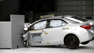 2017款丰田卡罗拉 美国IIHS正面25%碰撞