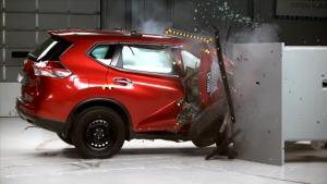 2014款日产奇骏乘客侧 IIHS正面25%碰撞