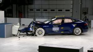 2016款特斯拉Model S IIHS正面40%碰撞