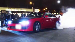 弯道舞者 日产Silvia S14玩烧胎引围观
