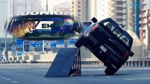 Ken Block驾驶嘉年华 迪拜与猎豹共舞