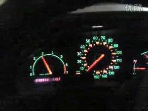 萨博saab车内仪表盘展现加速瞬间