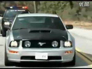 警察不寂寞 玩车更疯狂 道奇做警车