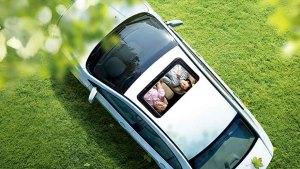 荣威350中级轿车 全系配备智能天窗