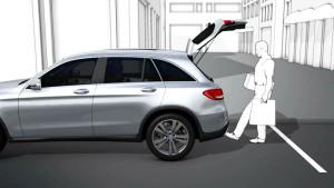 奔驰GLC级科技丰富 配备感应式电动尾门