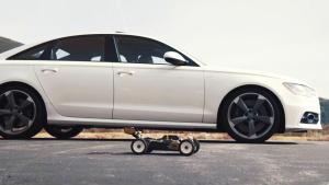 奥迪S6 vs RC遥控模型车T8X 疯狂竞速