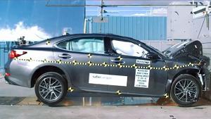 2016款雷克萨斯ES NHTSA正面碰撞测试