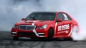 奔驰E63 AMG W212 赛道疯狂漂移过弯
