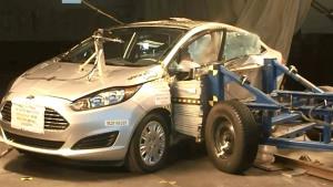 福特嘉年华三厢轿车 NHTSA侧面碰撞测试