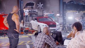 《速度与激情8》片场 豪车云集迷人眼