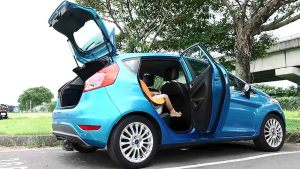 四款小型掀背车 后排安全座椅空间比拼