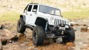 不惧涉水 RC版Jeep牧马人户外撒野