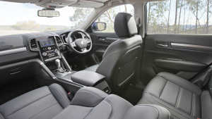 2017款雷诺科雷傲 高级皮革座舱设计