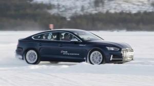 2017款奥迪S5冰面漂移 quattro发挥极致