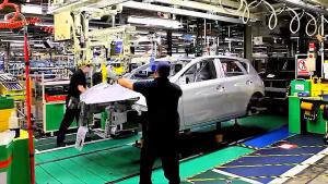 实拍丰田汽车英国工厂 揭秘生产车间