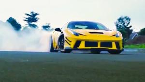 法拉利458霸气改装 配金色轮毂大秀漂移