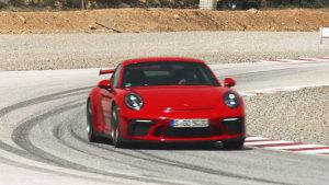 新保时捷911 GT3赛道展示 车重仅1430kg