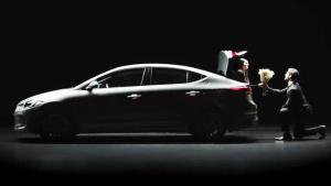 现代汽车谍战创意广告——智能后备箱