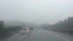 云南暴雨中开车犹如开船