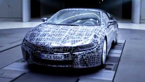 全新宝马i8 Roadster 采用鸥翼门设计